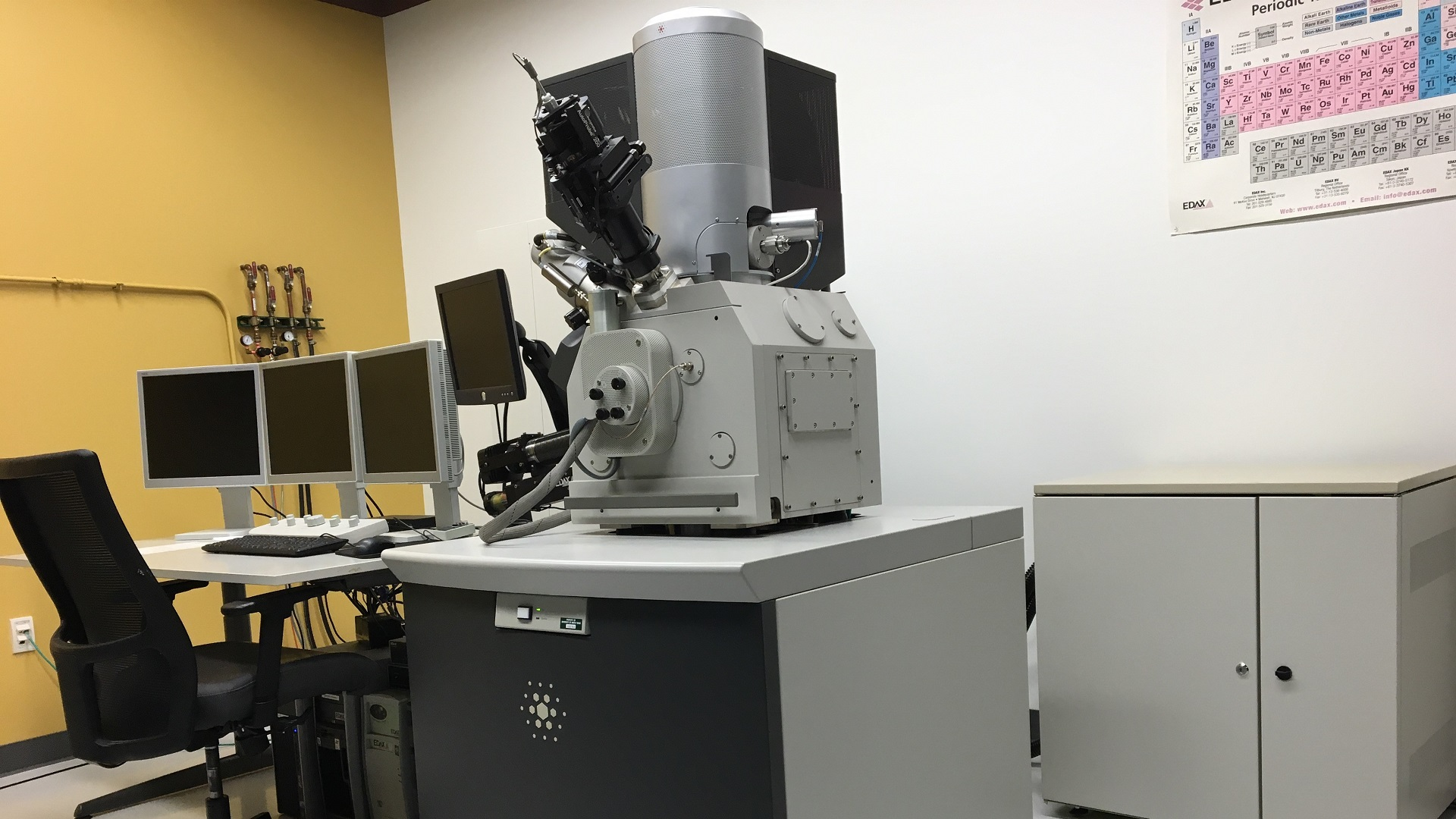 FEI Nova NanoLab 200 FIB/SEM